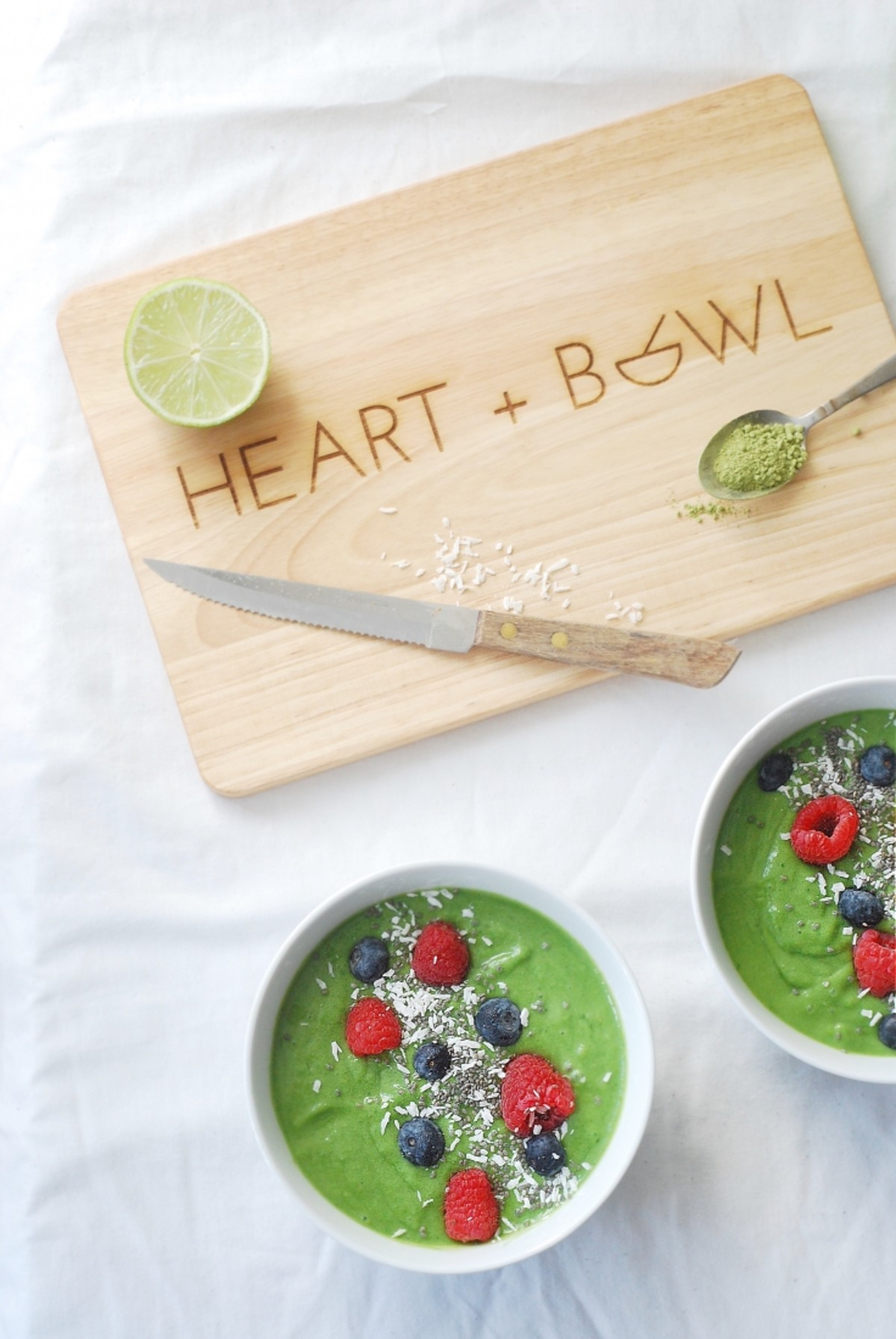 Super Green Smoothie Bowl – #NationalBreakfastWeek